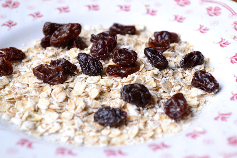 porridge oats raisins frugal
